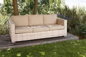 divanetti in vimini da esterno divani per esterno con il colore beige e divano in rattan