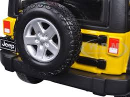 yellow jeep wrangler unlimited 2015 jeep wrangler unlimited yellow 1 24 diecast model car maisto 31268