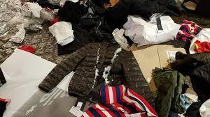 siege celio des vêtements lacérés dans les poubelles de celio les internautes