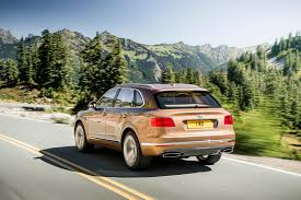 bentley sport 2016 bentayga lifts bentley u0027s sales to new heights in 2016