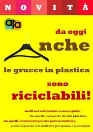 bicchieri di plastica sono riciclabili grucce in plastica da oggi le riciclo ata rifiuti provincia