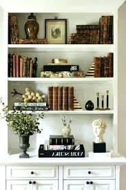 decorating a bookshelf bookcase decor hunde foren