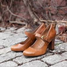 Most Comfortable Shoes For Working Retail A Comfortable Work Style With A Trendy Chunky Heel That Will Keep