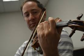 Blind Violinist Famous Perfect Harmony Rare Violin Brings Renewed Inspiration To