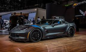 all types of corvettes 2017 chevrolet corvette grand sport photos and info car