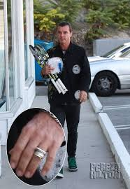 gavin rossdale ready to move on after gwen stefani here s why gavin rossdale still wears his wedding ring three months