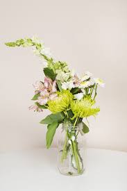 Flowers In A Vase Images Here Are 6 Ways Anyone Can Transform Cheap Grocery Store Flowers