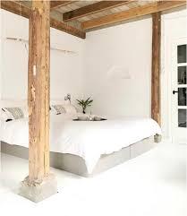 Laminatboden Schlafzimmer Bild Schlafzimmer In Weiß Mit Holz Laminatboden