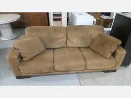 canap marron clair grand canapé 3 places style cuir retourné marron clair meubles