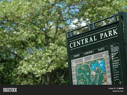 Central Park New York Map by Central Park Sign Map New York In Summer Stock Photo U0026 Stock