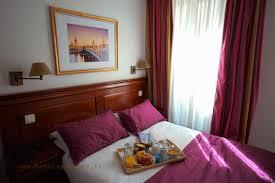 dans la chambre d hotel chambre bain chambre d hôtel montparnasse 14