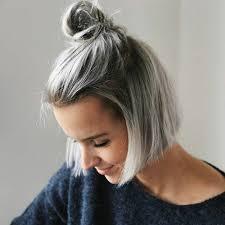 coupe cheveux gris 1001 looks impeccables avec une coloration grise coiffures