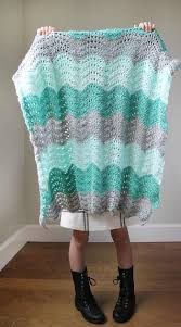 extra large feather fans feather and fan baby blanket allfreecrochet com
