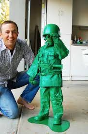 Halloween Costumes Tall Guys 2 Vintage Metal Army Guys Painted Green 2 3 4