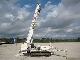 altec db35 tracked backyard digger derrick 35 u0027 ht 3000 lb cap