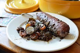 cuisiner saucisse de morteau staub saucisses de morteau aux lentilles et carottes les papilles