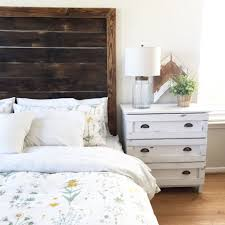 Distressed Wood Headboard 11 New Ways To Decorate With Distressed Wood
