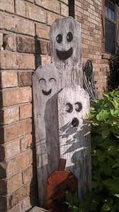 Clever Outdoor Halloween Decorations by 25 Best Holiday Wood Crafts Ideas On Pinterest Scrap Wood