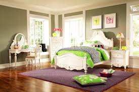 Bedroom Ideas With Sage Green Walls What Colour Goes With Grey Dress And Green Walls Teal Bedding