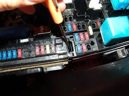 lexus es 350 fuse box sparky u0027s answers 2009 toyota camry changing the multi fuse block