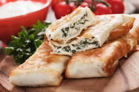 cuisine des balkans zeljanica de pita version des balkans du borek turc photo