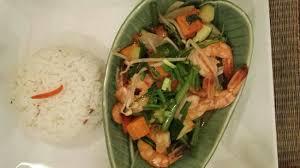 cuisine de perle crevettes sautées et au curry dessert typique thaïlandais perle de