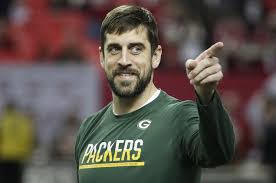 aaron international styles green bay packers aaron rodgers raps along to tupac s hit em up