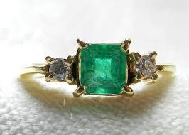 vintage emerald engagement rings emerald engagement ring vintage 1 carat columbian emerald ring