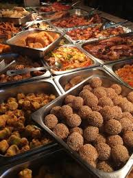 traditional buffet buffet meats traditional fried food picture of restaurante