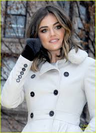 macys thanksgiving day parade video lucy hale goes country for thanksgiving parade video photo