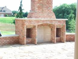 Outdoor Fireplace Caps by Decorating Outdoor Brick Rumford Fireplace With Chimney For Back