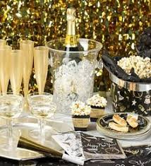 Homemade New Year S Eve Decoration Ideas by Diy New Years Eve Party Ideas Garlands Gold And Holidays