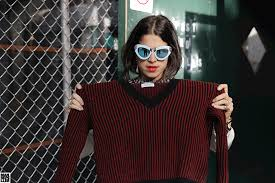 how to wear a sweater as a scarf man repeller