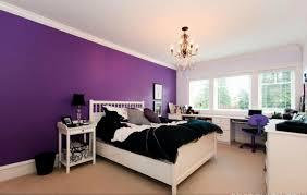 schlafzimmer in dunkellila farbgestaltung für schlafzimmer das geheimnisvolle lila