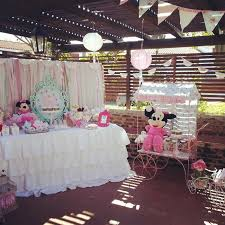 kara u0027s party ideas shabby chic minnie mouse party with lots of