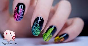 piggieluv freehand sound waves nail art piggieluv glow in the