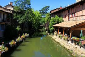 chambre d hote chatillon sur chalaronne découvrez et visitez la cité médiévale fleurie de châtillon sur