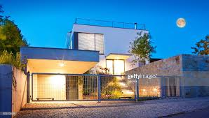 Twilight House Modern Family House Exterior By Twilight Stock Photo Getty Images