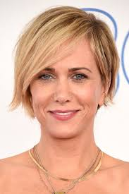 razor cut hairstyles for women over 40 kristen wiig s layered razor cut short wavy cut shorts and