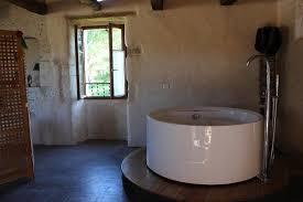 chambre baignoire balneo baignoire balneo dans la chambre photo de lou repaou cahors