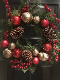 the christmas box 61cm traditional christmas wreath with pine cones the christmas box
