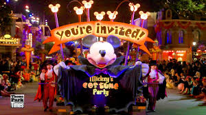 mickey u0027s halloween party parade in disneyland disney parks do