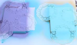 easy diy wall art with doilies