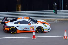 gulf porsche 911 gulf racing s porsche 911 rsr driven by michael wainwright flickr