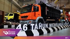 mobil mitsubishi fuso foto kece bareng si truk dari mitsubishi fuso di giias 2016