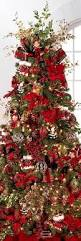 Beautifully Decorated Small Christmas Trees by Best 25 Traditional Christmas Tree Ideas On Pinterest