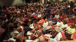 large crowd attends sen elizabeth warren u0027s town hall at cape cod