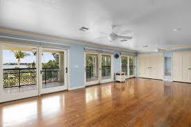 Tropical Laminate Flooring 10350 S Tropical Trl Merritt Island Fl 32952 Dale Sorensen