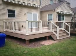 deck railing and spindles vinyl and wood deck rails decks r us