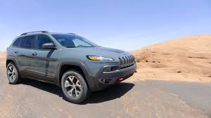 jeep bandit stock 2015 jeep cherokee trailhawk meets moab a desert duel the truth